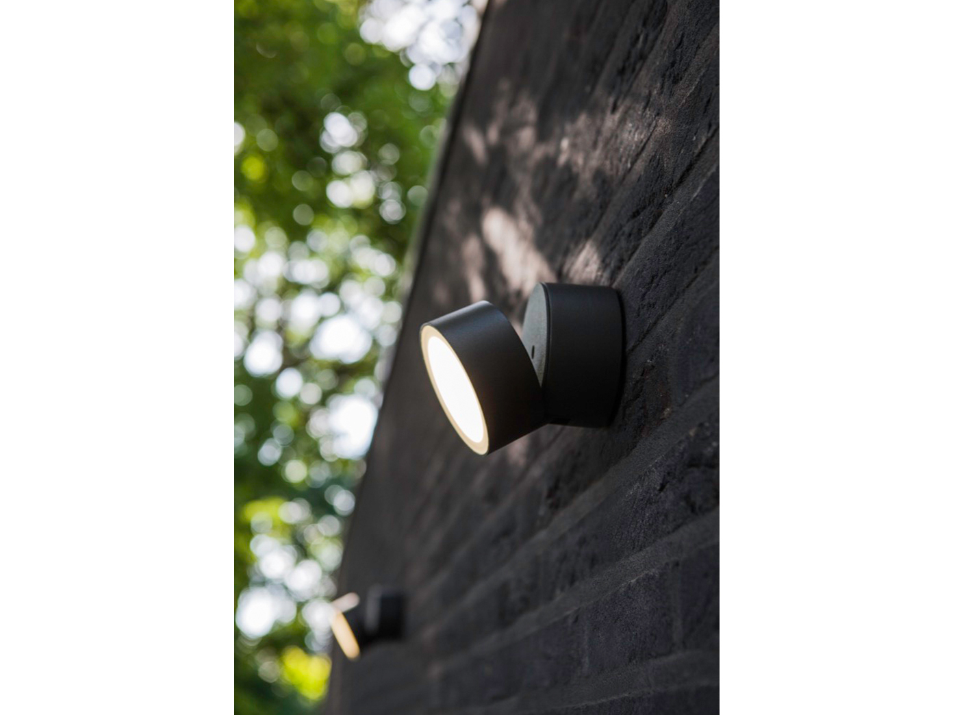 Lutec Trumpet 90° schwenkbare LED-Außenwandleuchte IP54 Anthrazit