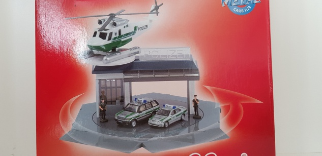 Schuco Junior Line Set Polizeistation Helikopter Autos 1:72 Polizeiwache