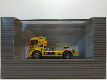 Mercedes Benz Race Atego Hasselröder Team 1:87 H0