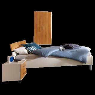 Priess Varia Schlafzimmer mit Futonbett 2-türigem Kleiderschrank und 2 Nachtschränken in Korpus Lichtweiß Front Astkernbuche