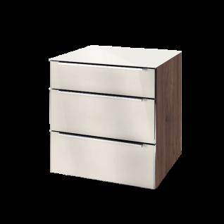 Nolte Möbel Alegro2 Style Nachtkommode 3 Schubkästen Glas-Oberplatte Korpus Macadamia-Nussbaum-Nachbildung Front Oberplatte Magnoliaglas Griff chrom