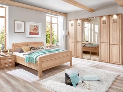 Wiemann Cortina Schlafzimmer Set in Korpus und Front Eiche bestehend aus Drehtürenschrank mit beleuchteter Kranzleiste Komfortbett und Nachtschränkepaar