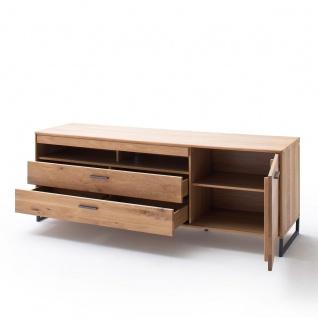 MCA Furniture Portland TV-Element POR17T30 für Ihr Wohnzimmer Lowboard im Industrial Look mit einer Tür zwei Schubkästen und zwei offenen Fächern TV-Unterteil in Asteiche bianco teilmassiv mit Fronten aus Massivholz und Füßen aus Metall Anthrazit lackiert - Vorschau 3