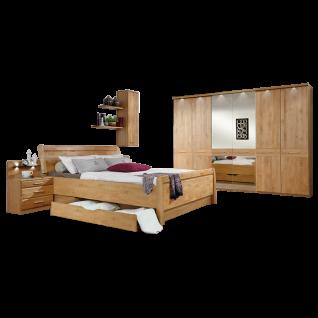 Wiemann Toledo Schlafzimmerset mit einem Bett mit Holzkopfteil Drehtürenschrank mit 2 Spiegeltüren und Beimöbeln in Ausführung Erle Teilmassiv