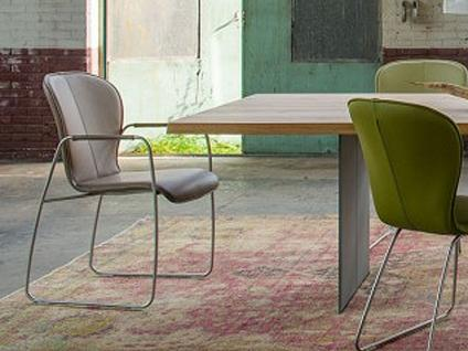 Bert Plantagie Blake 621 mit Bi-Color-Polsterung offenen Armlehnen und Schlittengestell Stuhl für Esszimmer Esszimmerstuhl Gestellausführung und Bezug in Leder oder Stoff wählbar