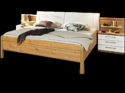 Disselkamp Linea Plus - Comfort-V Doppelbett mit Nachtkonsolenpaar und beleuchtetem Nachtpaneelaufsatz Korpus Wildeiche Frontabsetzung Hochglanz Weiß