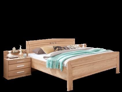 Wiemann Cortina Komfort-Doppelbett mit eingefrästem Quadratmotiv im Kopfteil 2 Nachtschränken und Nachtschrankpaneelen mit Beleuchtung