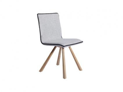 Voglauer V-Montana Stuhl SEGP46 oder SAGP46 mit Armlehnen V Montana Polsterstuhl für Wohnzimmer und Esszimmer Gestell in Wildeiche geölt Sitz und Lehne gepolstert Bezug in Loden oder Leder wählbar