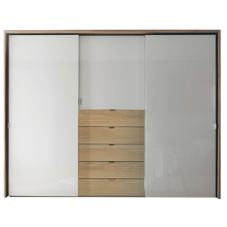Staud Möbel Media Multi Schwebetürenschrank 3-türig mit 5 Schubkästen Korpus und Schubkasten in Dekor Türen in Alpinweißglas optional mit Passepartout
