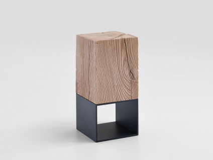 Hartmann Naturstücke Beistelltisch 1016 mit Aufsatzblock in Riffbuche oder Riffeiche Massivholz gebürstet Untergestell Metall anthrazit Tisch in zwei Holzausführungen wählbar
