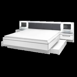 Schlafkontor Turin Bettanlage inkl. 2 Nachtkommoden und Glaspaneel mit LED Beleuchtung Liegefläche ca. 180 x 200 cm Rahmenausführung in Weiß Nachbildung mit grauen Absetzungen Kopfteil gepolstert mit Kunstleder - Vorschau 1