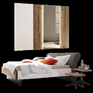 Thielemeyer Feel Schlafzimmer Ausführung Lack weiß mit Absetzungen Wildeiche Massivholz bestehend aus Komfort-Liegenbett und Schwebetürenschrank mit 1 Spiegeltür optional mit Beistelltischen und LED-Holztür-Beleuchtung Liegefläche wählbar