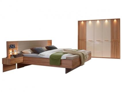 Rauch Steffen Misao Schlafzimmer-Kombination 4-teilig teilmassiv bestehend aus Bett mit schwebenden Fußteil, 2 Hänge-Nachtkommoden und Kleiderschrank 5-türig