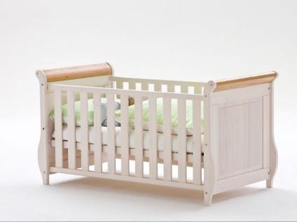 Euro Diffusion Helsinki Babyzimmer 4-teilig in weiß mit Absetzungen antik Wickelkommode mit Wickelplatte Babybett und 3-türiger Babyschrank optional mit Mehrzweckregal und Wandboard - Vorschau 4