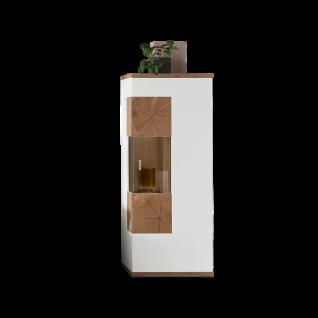 Ideal-Möbel Sylt Vitrine halbhoch 04 mit Glastür inkl. Bodenbeleuchtung Korpus Weiß Front Weiß Hochglanz Absetzung Eiche Artisan Dekor Hirnholzoptik