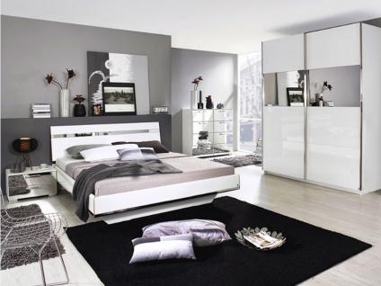 Rauch Select Denia 2-teiliges Schlafzimmer Schwebetürenschrank Bett in Korpusfarbe alpinweiß mit Front Hochglanz weiß und Spiegel optional mit Nachttischen und Kommode