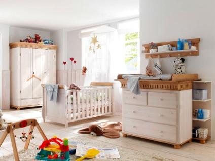 Euro Diffusion Helsinki Babyzimmer 4-teilig in weiß mit Absetzungen antik Wickelkommode mit Wickelplatte Babybett und 3-türiger Babyschrank optional mit Mehrzweckregal und Wandboard - Vorschau 2