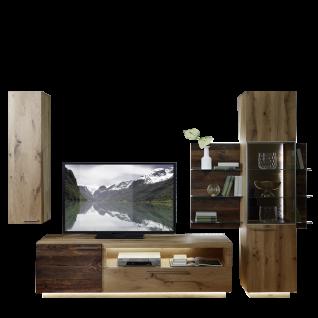 Schröder Kitzalm Alpenflair Wohnzimmer Vorschlagskombination K015 bestehend aus einem TV-Unterteil sowie einem Hängeelement und einem Standelement in Alteiche Natur gebürstet furniert mit Akzenten in Alm-Altholz