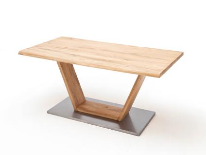 MCA Greta Esstisch in Balkeneiche Massivholz geölt mit feste Tischplatte mit Baumkante mit V-Fußgestell in verschiedenen Größen wählbar
