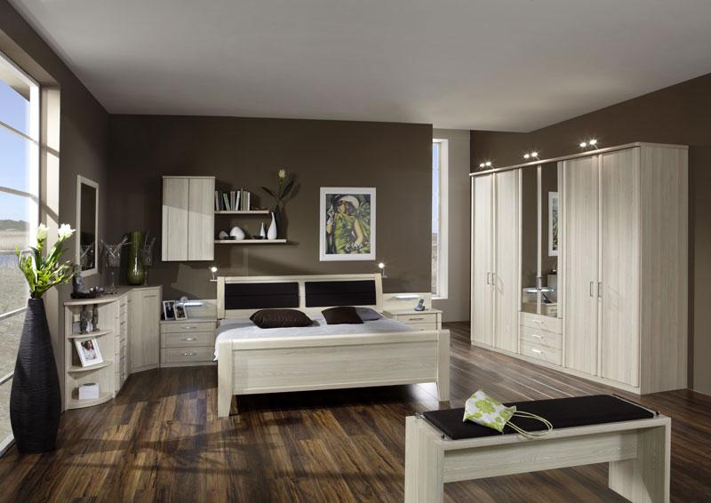 Schlafzimmer Luxor 4 Wiemann Doppelbett, Drehtürenschrank, 2 ...