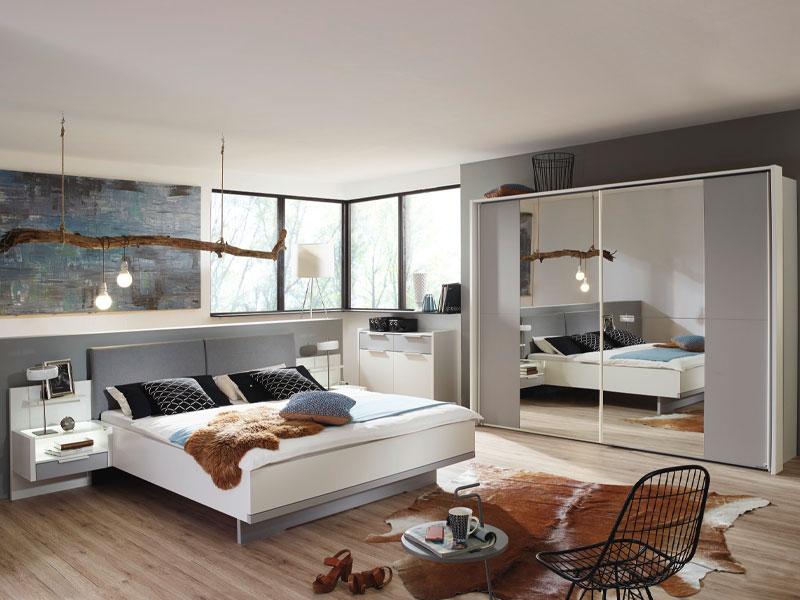 Rauch Steffen Samoa Schlafzimmer-Set 6-teilig bestehend aus Bett mit  Polsterkopfteil inklusive 2 hängenden Nachtkommoden mit Paneel und  2-türigem ...
