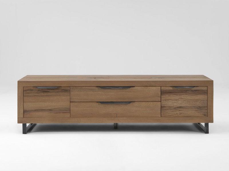 bodahl manhattan tv bank 10256 rustic oak massivholz kommode mit zwei schubk sten und zwei t ren. Black Bedroom Furniture Sets. Home Design Ideas