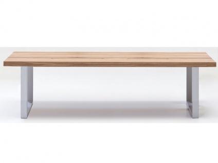 Elfo-Möbel Sitzbank 2557 in Massivholz Wildeiche naturbelassen geölt mit durchgehender Lamelle und edelstahlfarbene Metallfüße im U-Profil