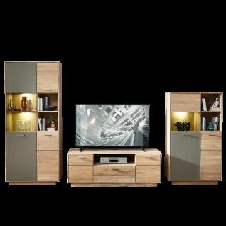 Wohn-Concept Topaz TV- / Wohnlösung 46 03 HM 86 in Wildeiche bianco Massivholz mit Absetzung in Glas Basalt Wohnwand mit viel Stauraum Wohnkombination mit zwei Vitrinen und einem TV-Unterteil für Ihr Wohnzimmer LED-Beleuchtung wählbar