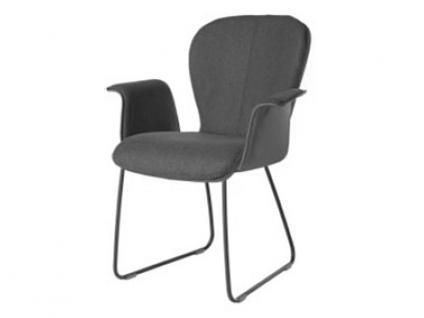 Bert Plantagie Blake Schlitten 631C Komfort mit Uni-Mattenpolsterung und geschlossenen Armlehnen Stuhl für Esszimmer Esszimmerstuhl Gestellausführung und Bezug in Leder oder Stoff wählbar