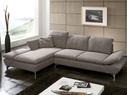 Schillig Willi Ecksofa Taoo 15278 bestehend aus Longchair mit Doppelseitenteil und einem Sofa groß mit integrierter Sitztiefenverstellung und flexibler Seitenteil- und Kopfteilverstellung im Bezug Q2 Stoff im Farbton Stein auf glänzenden Metallfüßene
