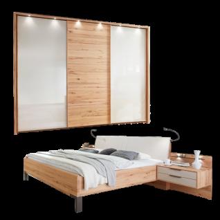 Wiemann Livorno Schlafzimmerset mit Futonbett mit Polsterkopfteil Schwebetürenschrank mit 2 Glastüren außen und Beimöbel in Astkernbuche Teilmassiv