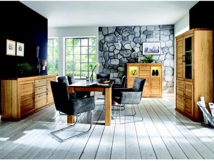 Niehoff Homeland dekoratives Komplettset in Wildeiche teilmassiv mit Highboard 3144 Vitrine 3174 und Anrichte 3114 mit Tisch Roca und 6 Stühlen für Wohnzimmer und Esszimmer mit Beleuchtung