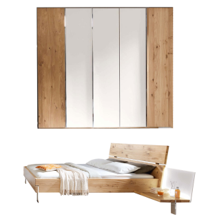 Thielemeyer Loft 2-teiliges Schlafzimmer Ausführung Eiche Komfort-Liegenbett mit Holzkopfteil in Massivholz Liegefläche ca. 180 x 200 cm 5-türigem Drehtürenschrank mit Colorglastüren in weiß mittig optional mit 2 Anstellpaneelen rechts und links mit oder