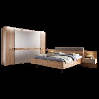 Wöstmann WSM 2800 Schlafzimmerset mit Bettanlage und Drehtürenschrank in Massivholz Wildeiche mit Spaltholz-Akzent