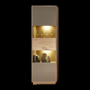 Wohn-Concept Topaz Vitrine 46 03 HM 05 in Wildeiche bianco Massivholz mit Absetzung in Glas Basalt Vitrine mit viel Stauraum mit einer Tür für Ihr Wohnzimmer oder Esszimemr LED-Beleuchtung wählbar