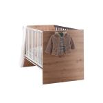 Mäusbacher Cordula Babybett 0930_BH mit breiten Sprossen mit drei Schlupfsprossen und verstellbarem Lattenrost Bett mit Liegefläche ca. 70 x 140 cm für Ihr Babyzimmer im Dekor Asteiche Nachbildung mit 1 Sprossenteil in Weiß matt und 1 Sprossenteil in Lava