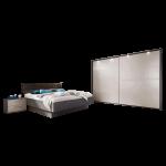 Disselkamp CD Studioline Schlafzimmer Doppelbett gestepptes Kunstleder Polsterkopfteil Elephant Nachtkonsolen wählbares Paneel und LED Beleuchtung Schwebetürenkleiderschrank mit Passepartout und LED Beleuchtung