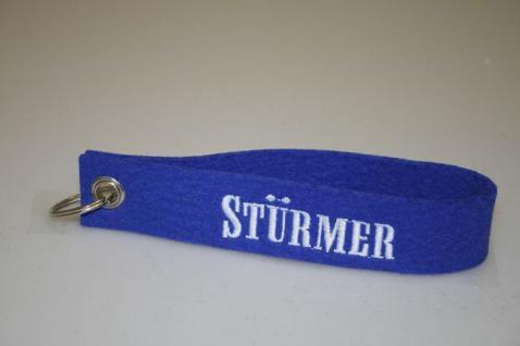 Filz-Schlüsselanhänger mit Stick - Stürmer - Gr. ca. 17x3cm - 14266