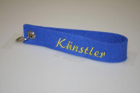 Filz-Schlüsselanhänger mit Stick - Künstler - Gr. ca. 17x3cm - 14423