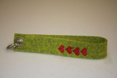 Filz-Schlüsselanhänger mit Stick - Herzen - Gr. ca. 17x3cm - 14276