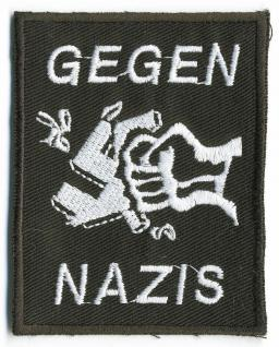 AUFNÄHER - Gegen Nazis - 06111 - Gr. ca. 5 x 6, 5 cm - Patches Stick Applikation Bügel-Emblem