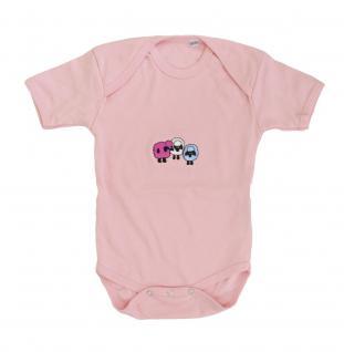 Babystrampler mit Einstickung ? drei Schäfchen - 08342 pink ? Gr. 6-12 Monate