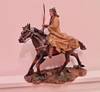 Indianer auf Pferd Westernfiguren H 30cm Indianerfigur groß Western Deko Statue