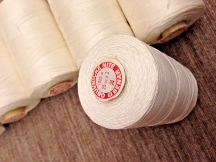 10x Nähgarn 1000 Meter Polyester/Baumwolle Nähgarn Weiß 25/3 Reißfest Kurzwaren - Vorschau 3