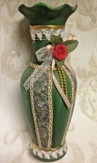 Vase Grün mit Spitzen Blumen Bestückt 29cm Deko Vase Keramik Vitrinen Objekt