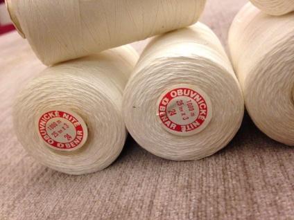4 x Nähgarn 1000 Meter Polyester/Baumwolle Zelt Nähgarn Weiß 25/3 Reißfest NEU - Vorschau 3