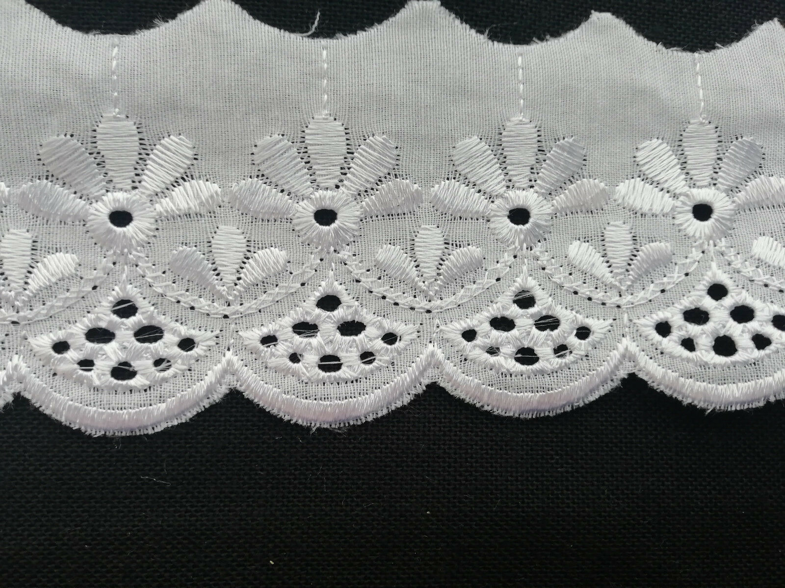 Spitzenborte weiß  4cm Bordüre Saum Spitze Tischdecke Gardine Kissen Bett deko