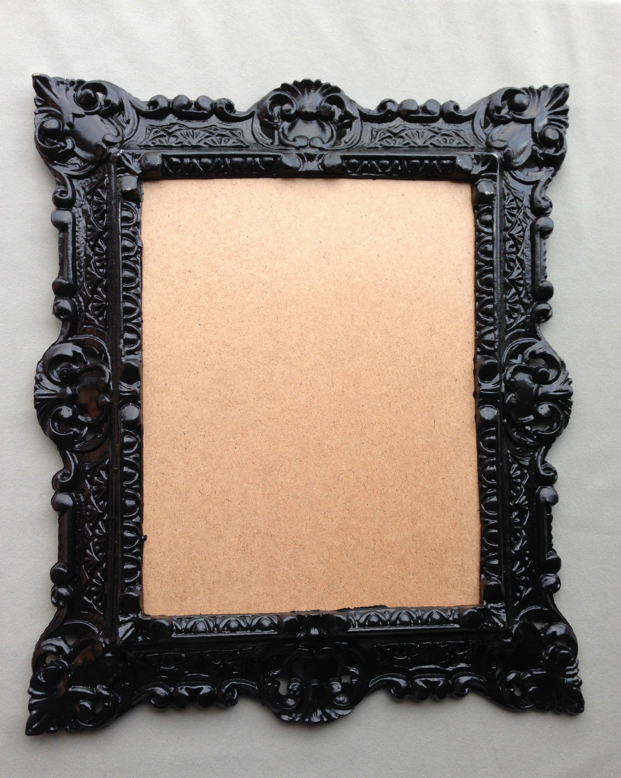 bilderrahmen schwarz rechteckig barock rahmen antik 44x38 fotorahmen mit glas kaufen bei. Black Bedroom Furniture Sets. Home Design Ideas