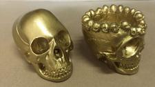 2 x Totenkopf Gold 10x7 Skull Gothic Fantasy Figur Totenkopf als Aschenbecher