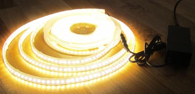 SET 5100 Lumen 10m Led Streifen 600 LED warmweiß wasserfest IP65 inkl. Netzteil 24V Pro-Serie TÜV/GS geprüft